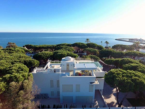 modern villa in cabopino for sale