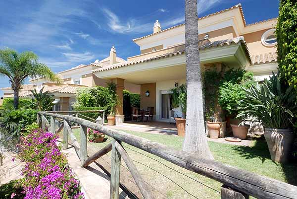 Bargain villa for sale in Santa Clara