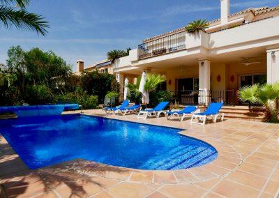 Luxury Beachside villa for sale in Cabopino