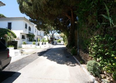 Beachfront townhouse for sale in Cabopino