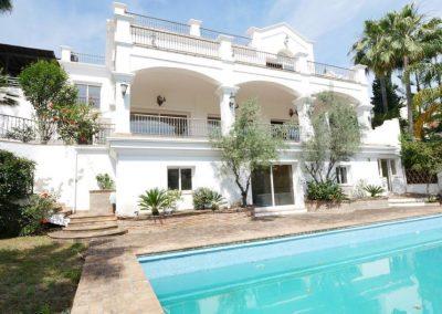 Bank repossession golf villa in Marbella